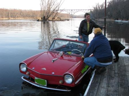 Amphicar at dock (Photo by Karen Schulz (C) 2009)