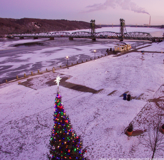 Downtown Christmas Tree Stillwater via Pictures Over Stillwater